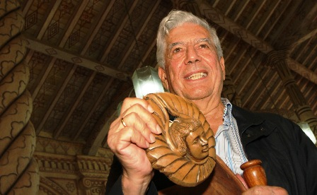 Vargas-Llosa-visito-dos-pueblos-chiquitanos