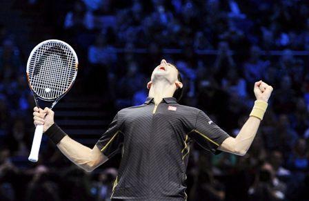 Djokovic-pasa-a-semifinales-y-se-asegura-el-numero-1