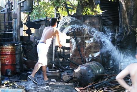 Se-incendia-un-taller-en-la-cristo-Redentor