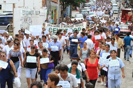 Trabajadores-protestan-por-suspension-en-pago-de-bono