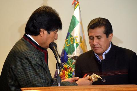 Rojas-asume-presidencia-de-Bolivia-por-segunda-vez-