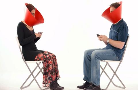 ¿Adicto-a-las-redes-sociales?-Coca-Cola-tiene-una-sugerencia-para-ti