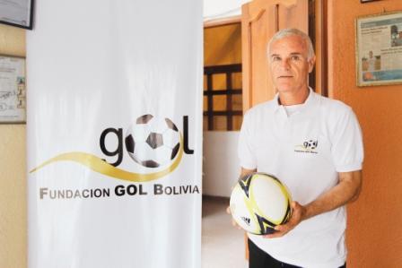 Manolo-y-su-apuesta-por-Bolivia-con-la-Fundacion-Gol