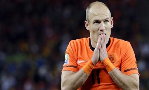 Robben-admite-que-se-tiro-en-el-penalti-que-dio-victoria-a-Holanda