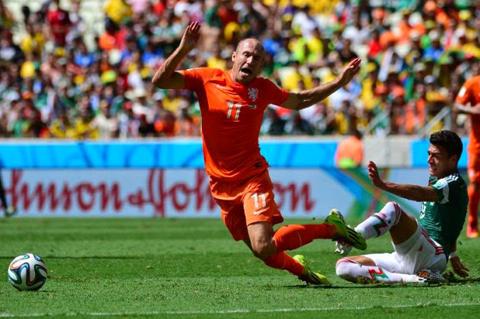 La-FIFA-no-sancionara-a-Robben-por-admitir-un--piscinazo-