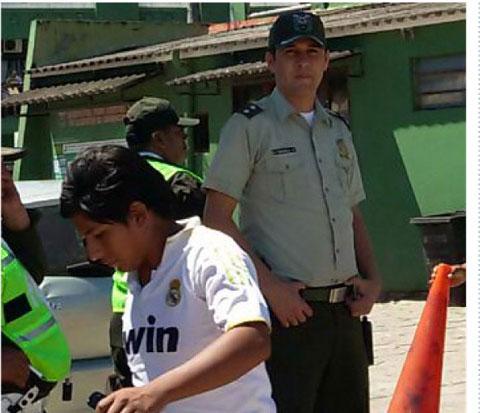 Por-tomar-fotografias,-policia-arresta-a-periodista--