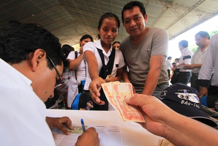 En-Santa-Cruz,-bono-escolar-llegara-a-620.000-estudiantes