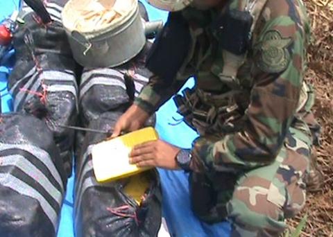 Cocaina-peruana-ingresa-a-Bolivia-a-traves-de---puente-aereo-