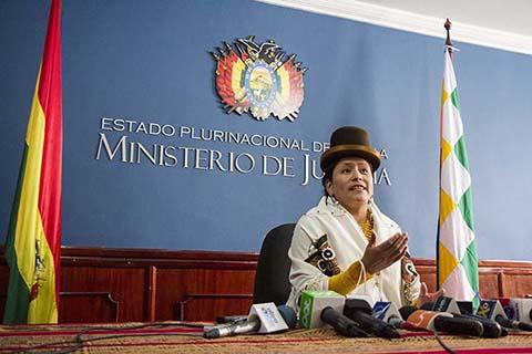 Ministra-de-Justicia-realiza-control-sorpresa-en-juzgados-de-Montero-