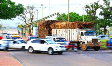 Camiones-caneros-incumplen-las-normas
