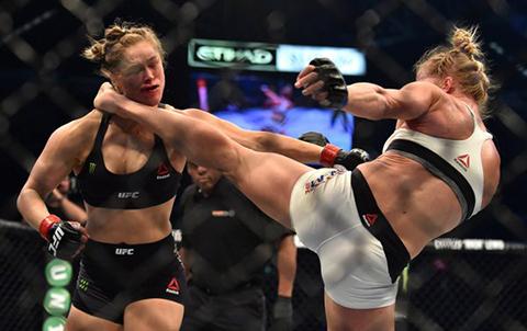 Ronda-Rousey-fue-tumbada-por-primera-vez-en-su-carrera