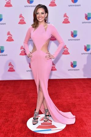 Un-Grammy-a-los-vestidos