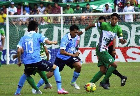 Bolivar-sufre-para-subir--a-lo-mas-alto-del-podio