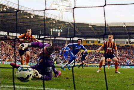 Chelsea-gana,-sigue-como-lider-pero-no-convence