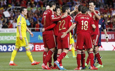 Espana-gana-con-sufrimiento