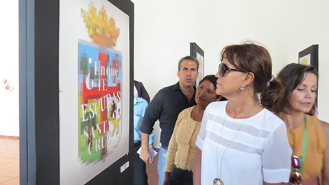 Alcaldesa-pide-explicacion-por-exposicion-que-altera-el-escudo-cruceno