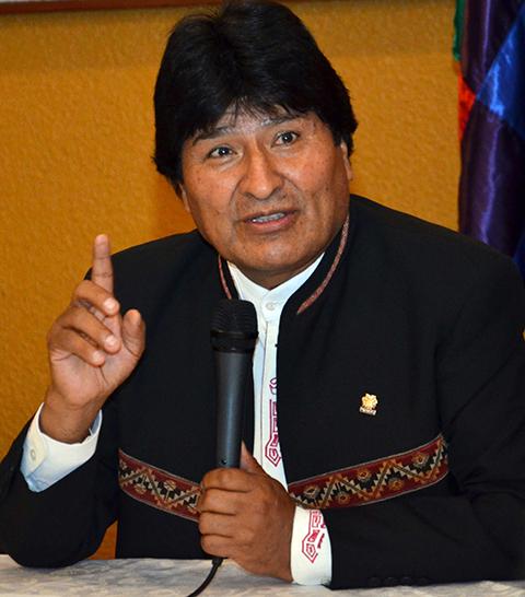 Morales:-Cuba-es-pacifista-y-EEUU--terrorista-