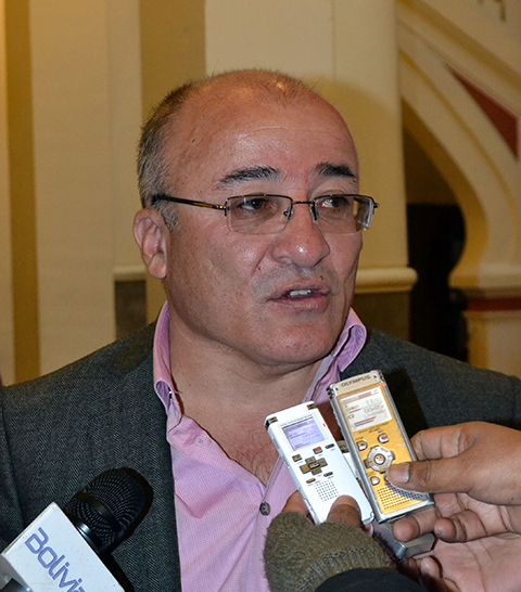 Ministro-Moldiz-sostiene-que-bloqueos-en-La-Paz-son-montados-por-la-oposicion