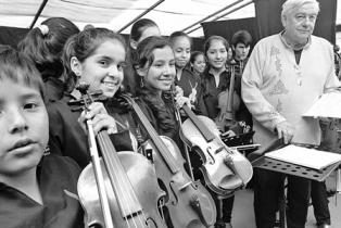 Sinfonica-de-Chiquitos--tendra-20-musicos