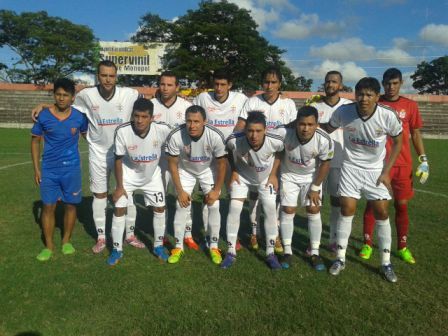 Real-Santa-Cruz-supera-a-Oriente-y-sube-en-la-tabla