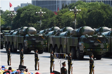 China-muestra-poderio-militar-en-un-desfile