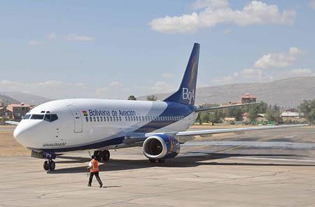 Avion-de-Boa-se-despista-al-aterrizar-en-El-Alto