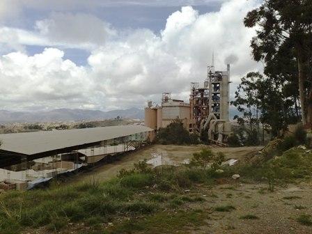 Fabrica-de-cemento-tiene-un-17%-de-avance