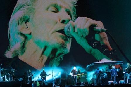 Roger-Waters-canta-en-el-Zocalo-ante-170.000-fans