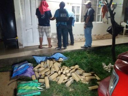 Escondian-70-kilos-de-droga-en-dos-viviendas-