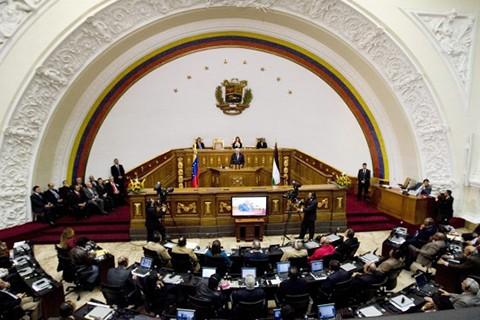 Parlamento-de-Venezuela-inicia-sesion-especial-ante-suspension-de-revocatorio