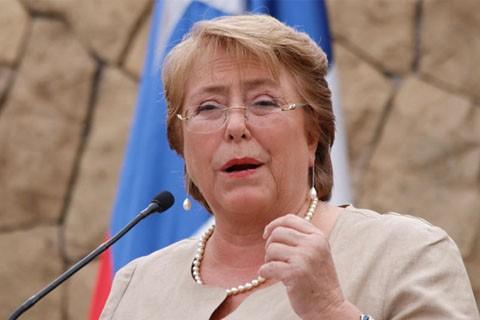 Bachelet-rinde-examen-en-elecciones-municipales-en-Chile