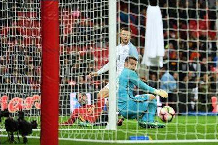 Espana-empata-con-Inglaterra-en-el-final