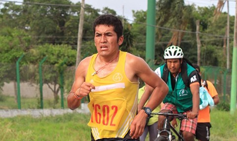 El-cochabambino-Juan-Gonzales-gano-la-maraton-a-Cotoca
