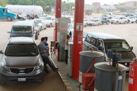 Aseguran-provision-de-combustibles
