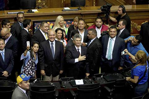 Congreso-venezolano-aprueba-ley-del-revocatorio-contra-Maduro