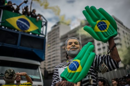 La-presidente-de-Brasil-esta-arrinconada-politicamente