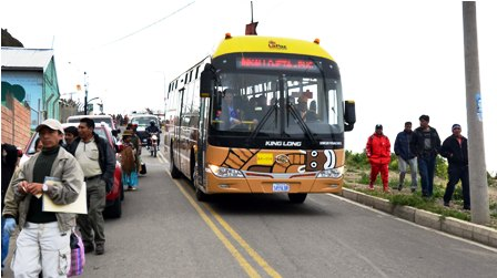 Invade-carril-de-los-buses-Puma-Katari