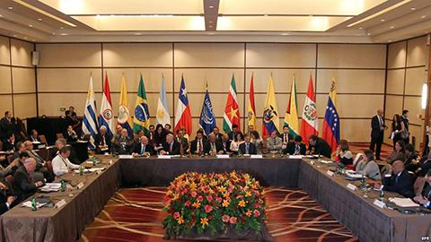 Morales-reitera-llamado-a-Unasur-para-apoyar-a-los-gobiernos-de-Brasil-y-Venezuela