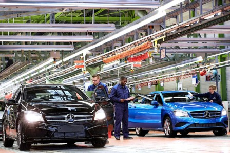 Mercedes-Benz-abre-planta-a-pesar-de-crisis