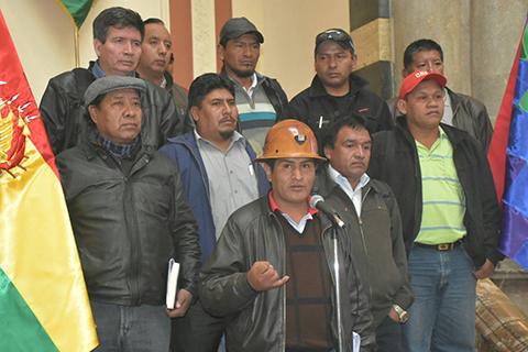 Gobierno-y-COB-formaran-comisiones-para-analizar-pliego-petitorio-de-los-trabajadores