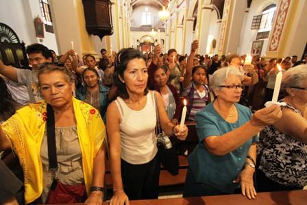 Catolicos-y-evangelicos-viven-la-Pascua-de-Resurreccion