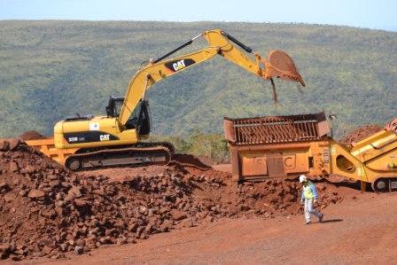 Por-bajos-precios-no-venden-600-mil-toneladas-de-hierro-