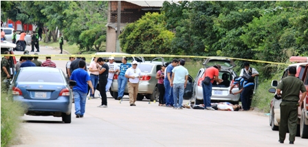 Matan-a-cuatro-extranjeros-tras-enfrentarse-a-tiros-con-la-Policia