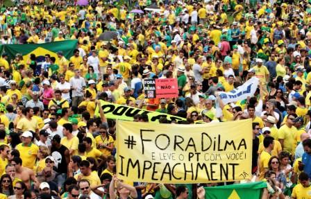 Mayoria-de-brasilenos-pide-salida-de-Rousseff-