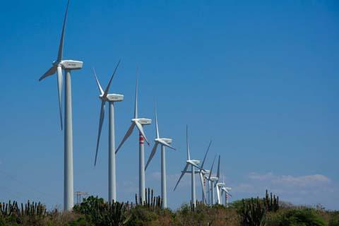 Concluyen-estudios-para-construccion-de-tres-parques-eolicos-en-Santa-Cruz