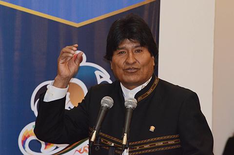 Morales-responde-a-Insulza:--Somos-un-pueblo-pacifista,-respetamos-la-vida.-No-habra-guerra-