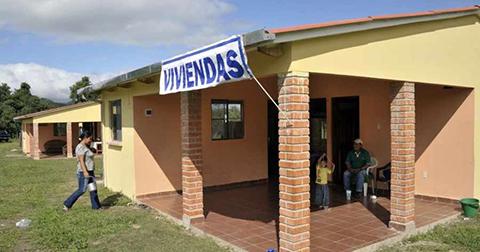 Morales-advierte-con-revertir-viviendas-sociales-que-fueron-alquiladas