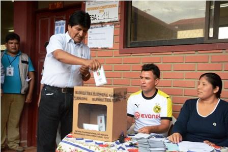 Evo-y-Álvaro-prometieron-respetar-el-voto-del-21F