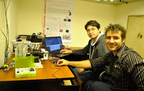 Estudiantes-de-la-UCB-construyen-chip-que-diagnostica-tuberculosis-y-ganan-concurso-internacional