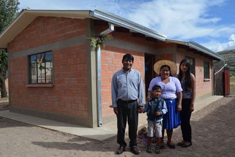 Gobierno-alista-ley-para-revertir-derecho-propietario-de-6.000-viviendas-sociales